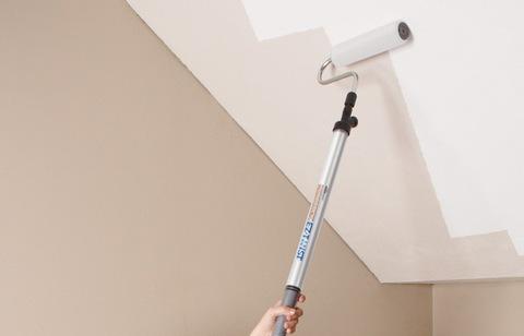 как красить потолок без разводов