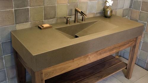 интегрированная раковина из искусственного камня в ванной