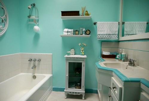 крашеные стены в ванной и туалете