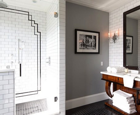 ванная с крашеными стенами и плиткой кабанчик
