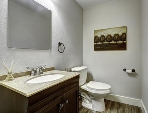 краска на стенах в туалете
