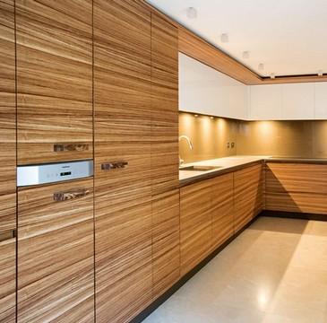 кухонные фасады шпон: плюсы и минусы