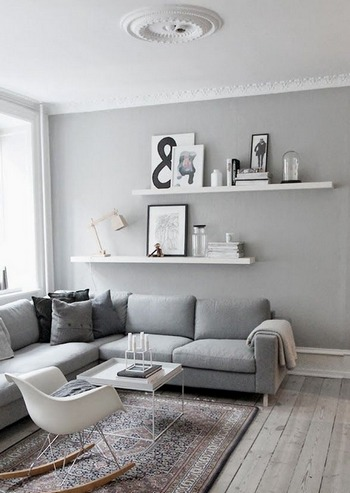 полочки над диваном