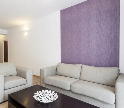 стена за диваном фото