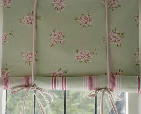 короткая штора с завязками