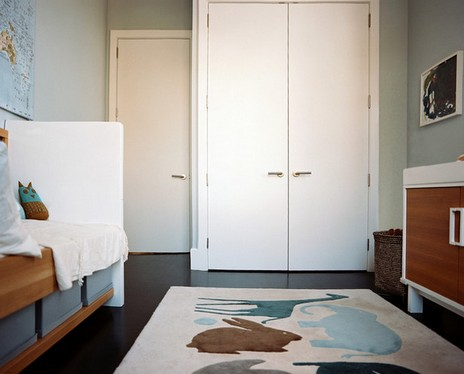 как поставить шкаф в комнате