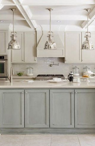 серо-бежевая кухня