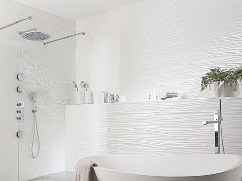 белая волнистая плитка в ванной