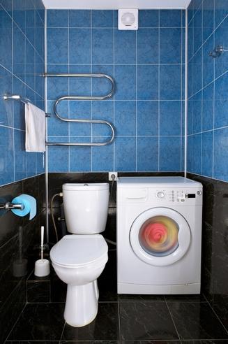 стиральная машина в туалете