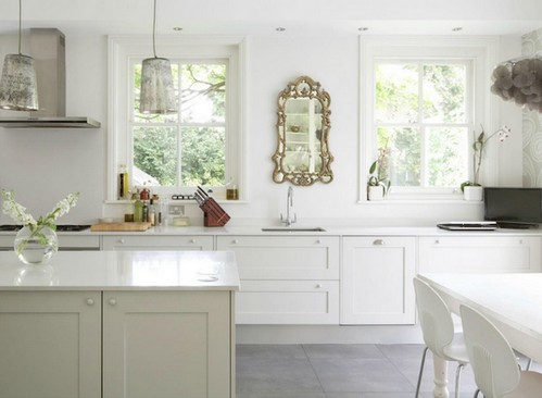 зеркало в интерьере кухни
