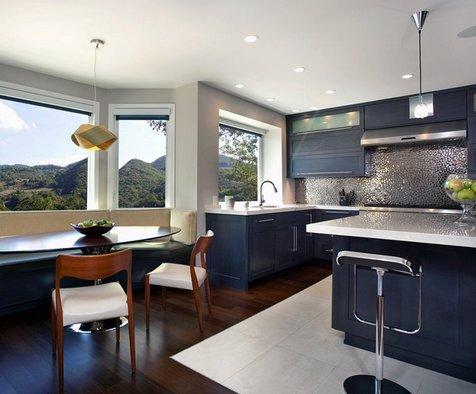 темно-синяя кухня в интерьере