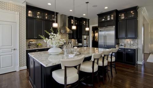 темная кухня в стиле американской классики