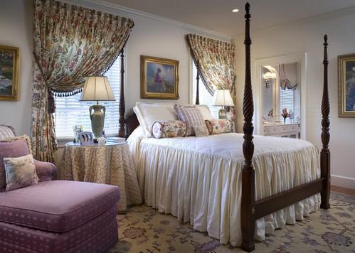 шторы в цветочек в спальне