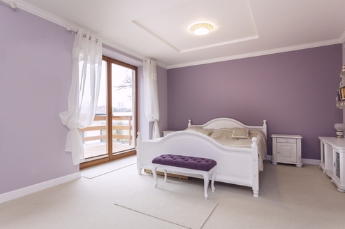 сиреневая спальня