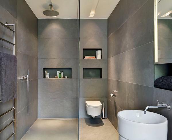 ванная комната с серой плиткой