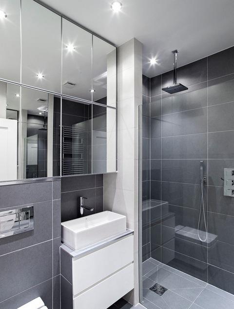 серый интерьер ванной комнаты