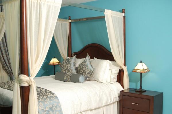 бирюзовый в спальне