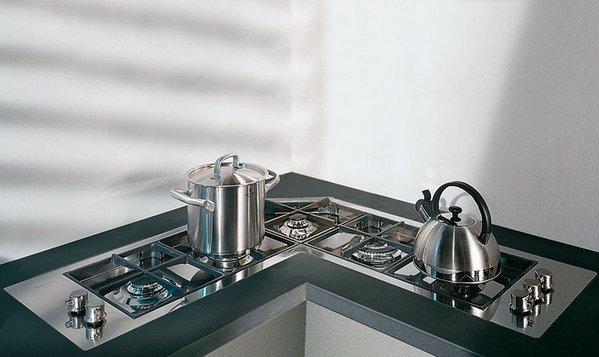 угловая плита на кухне