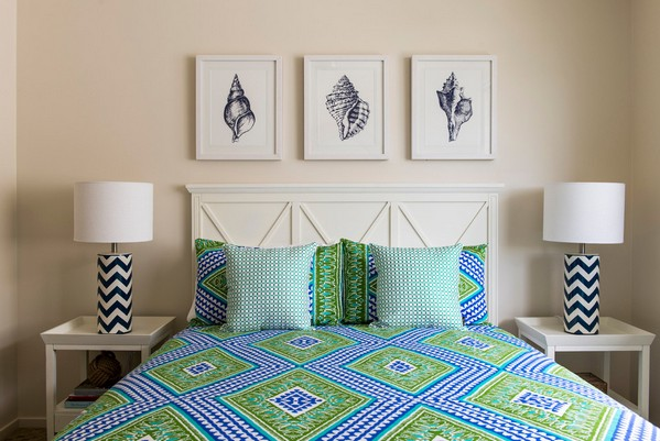 элегантная морская спальня