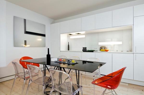 белая кухня черный стол
