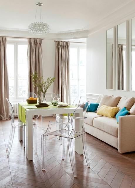 Пластиковые стулья в домашнем интерьере, Домфронт
