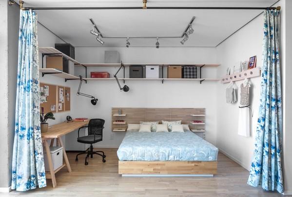 рабочий стол в спальне