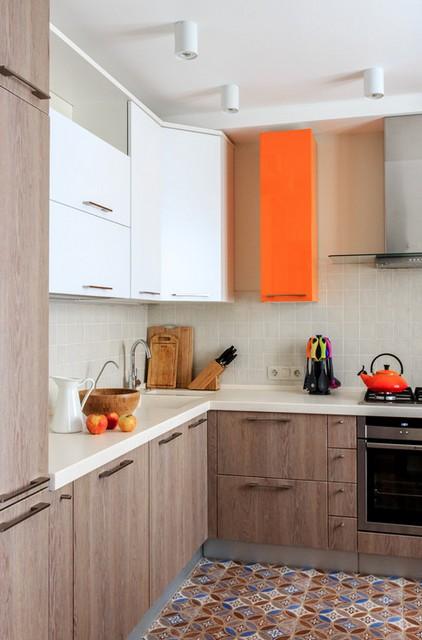 интерьер с оранжевыми акцентами