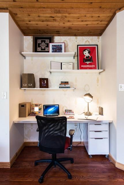 Что повесить на стену над рабочим местом?