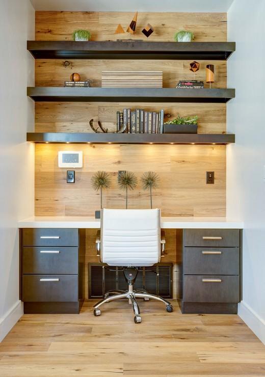 Декор стены над рабочим столом