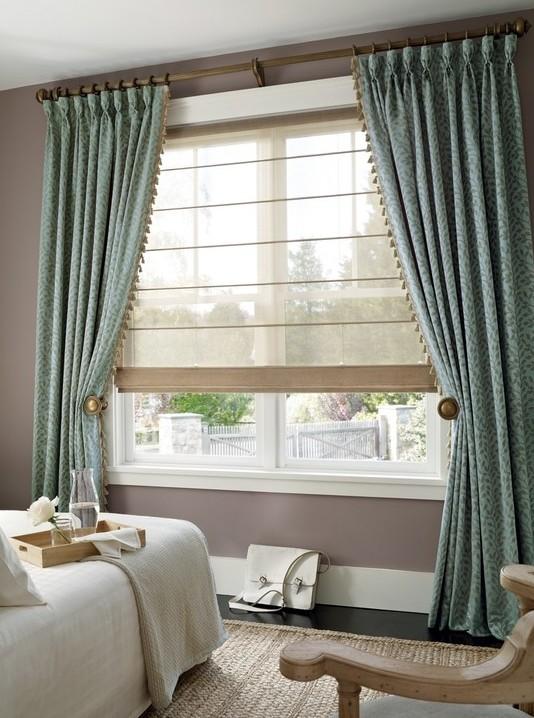 римская штора с длинными занавесками