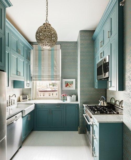 классическая голубая кухня
