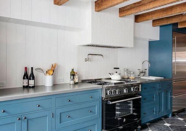 голубые фасады на кухне