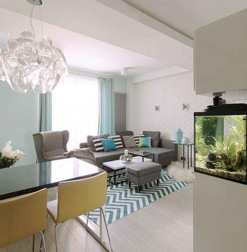 светло-голубые стены в гостиной