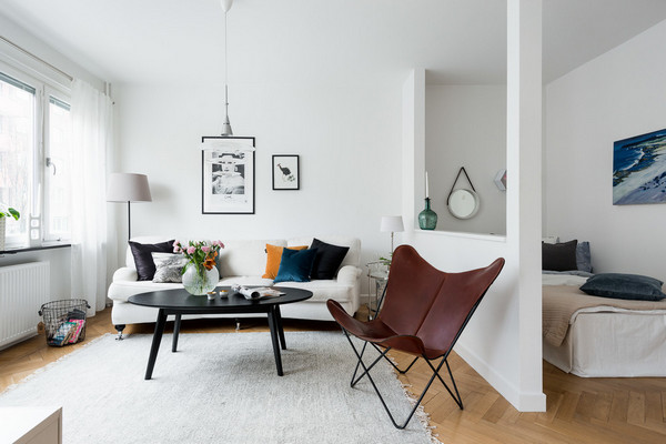 как поставить диван и кровать в одной комнате