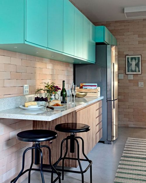 бирюзовые фасады на кухне