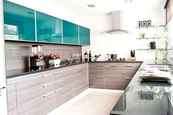 бирюзовые фасады кухни