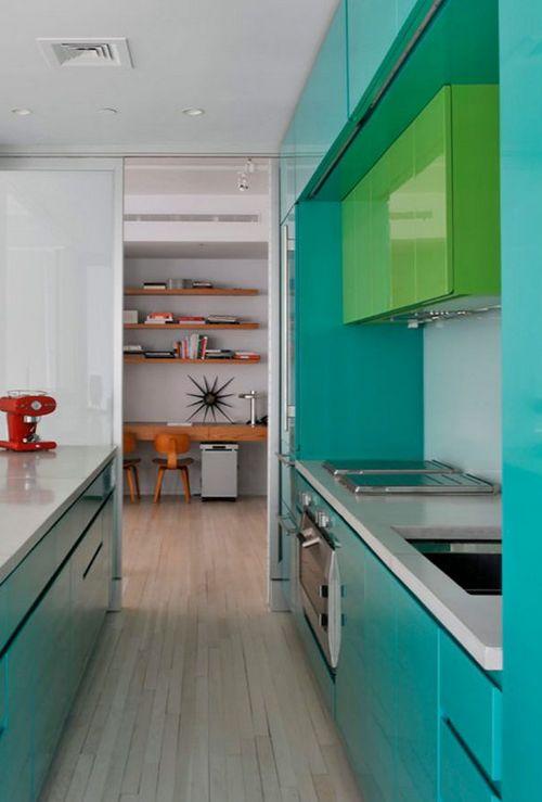 бирюзовая мебель на кухне