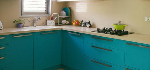 бирюзовая кухня в интерьере