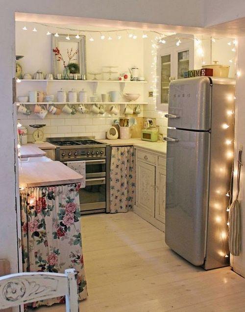 украшение кухни электрической гирляндой