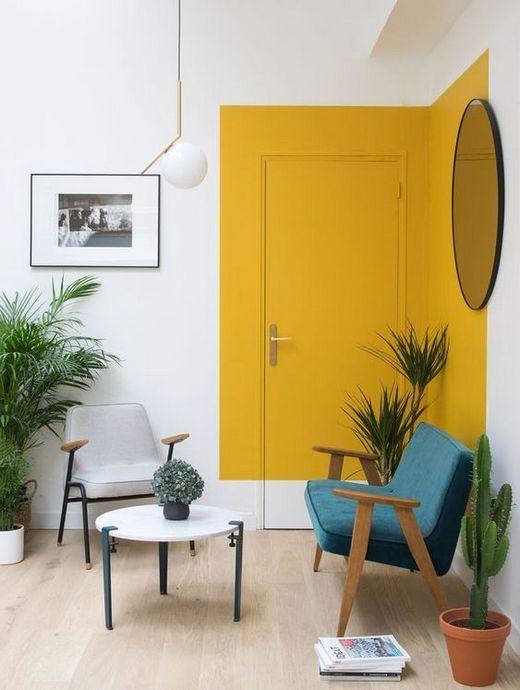 двери в цвет стен