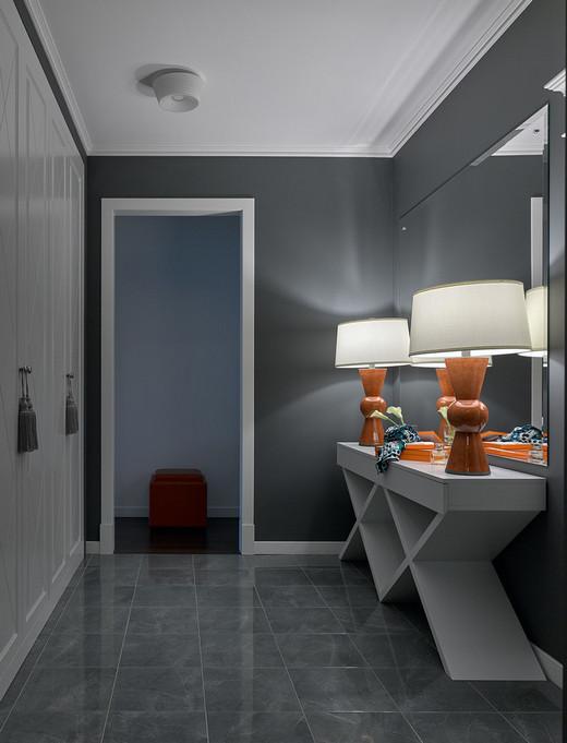 кафель в коридоре на полу