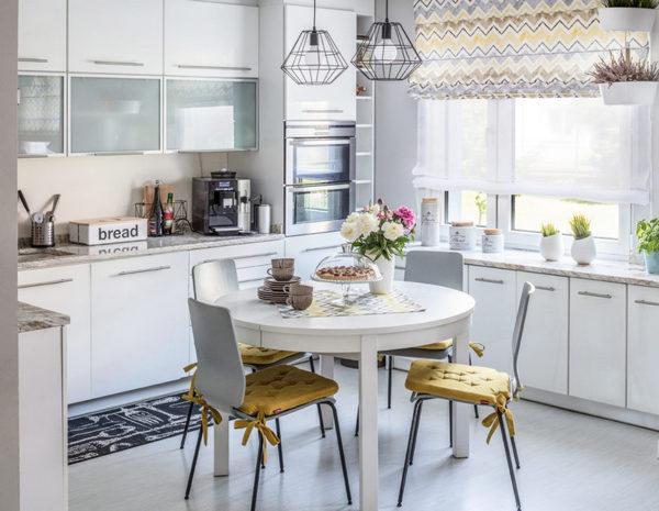 коврик на кухне возле мойки и плиты