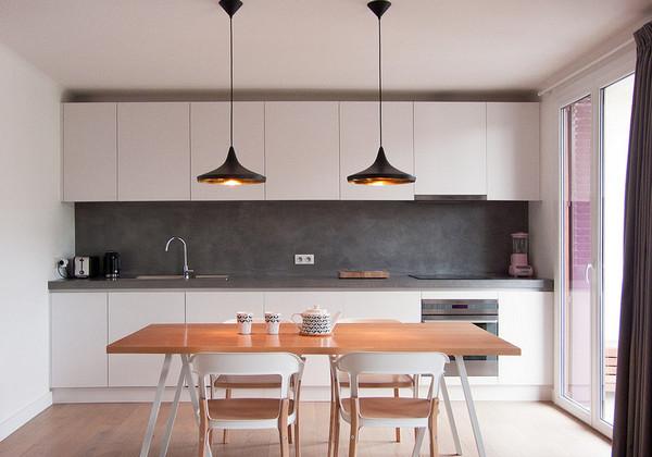 высота подвесных шкафов на кухне: до потолка или нет