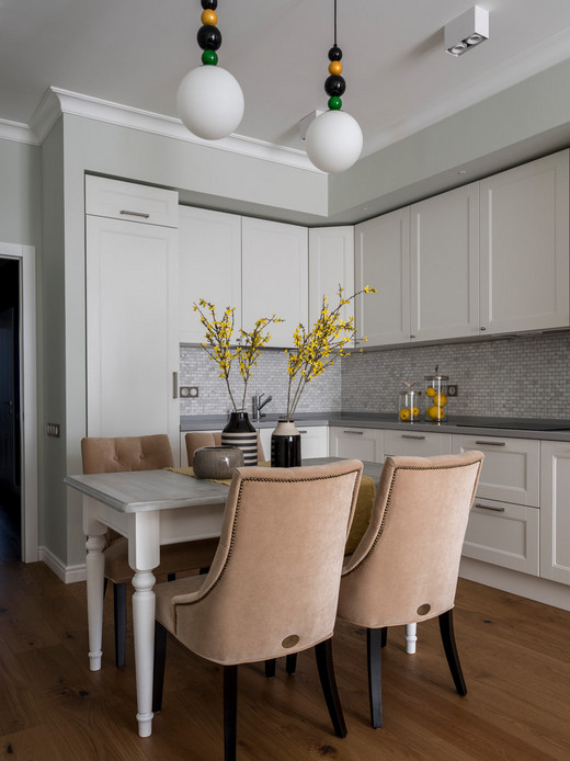 подвесные шкафчики на кухне: до потолка