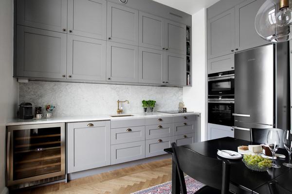 подвесные шкафчики до потолка