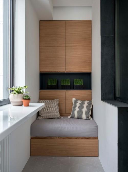 сиденье с хранением на балконе