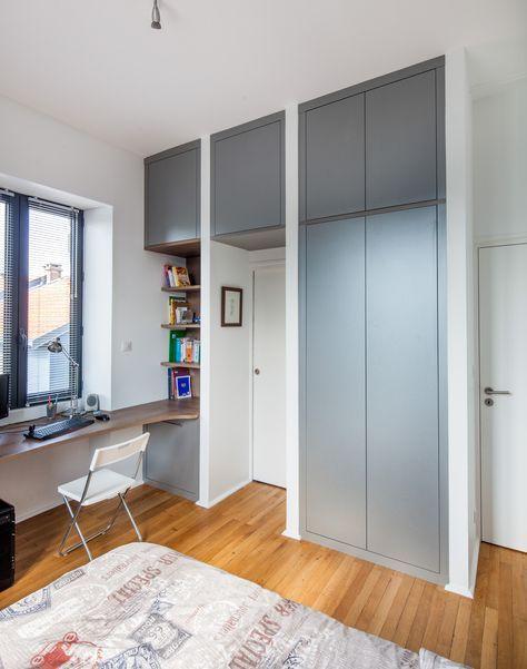 шкаф, встроенный вокруг двери