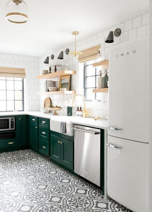 зелёные фасады на кухне