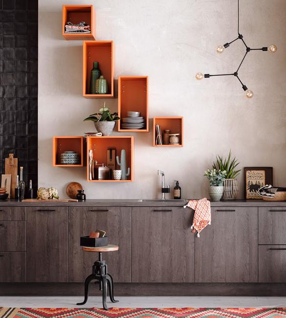 столешница и фасады кухни одного цвета