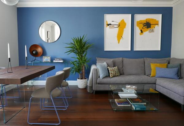 сочетание голубого с желтым в интерьере
